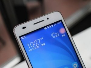 � ����� ����������� �������� Huawei Honor Play 4