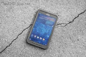 Компания Samsung работает над созданием прочного смартфона